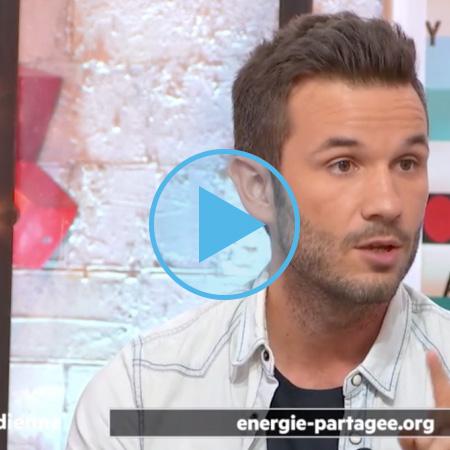 Julien Vidal, de Ça commence par moi, présente Energie Partagée sur France 5