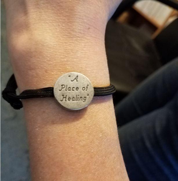 https://campaign-image.com/zohocampaigns/276712000006788004_zc_v37_braceletsidetwo.jpg