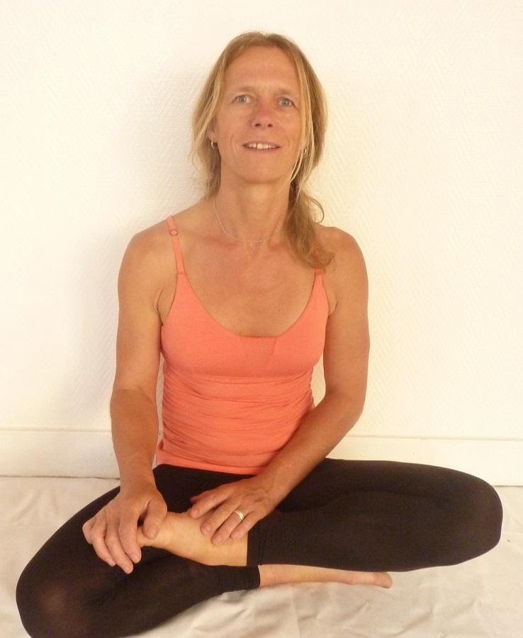 https://campaign-image.com/zohocampaigns/376359000004289004_zc_v111_carey_yoga.jpg