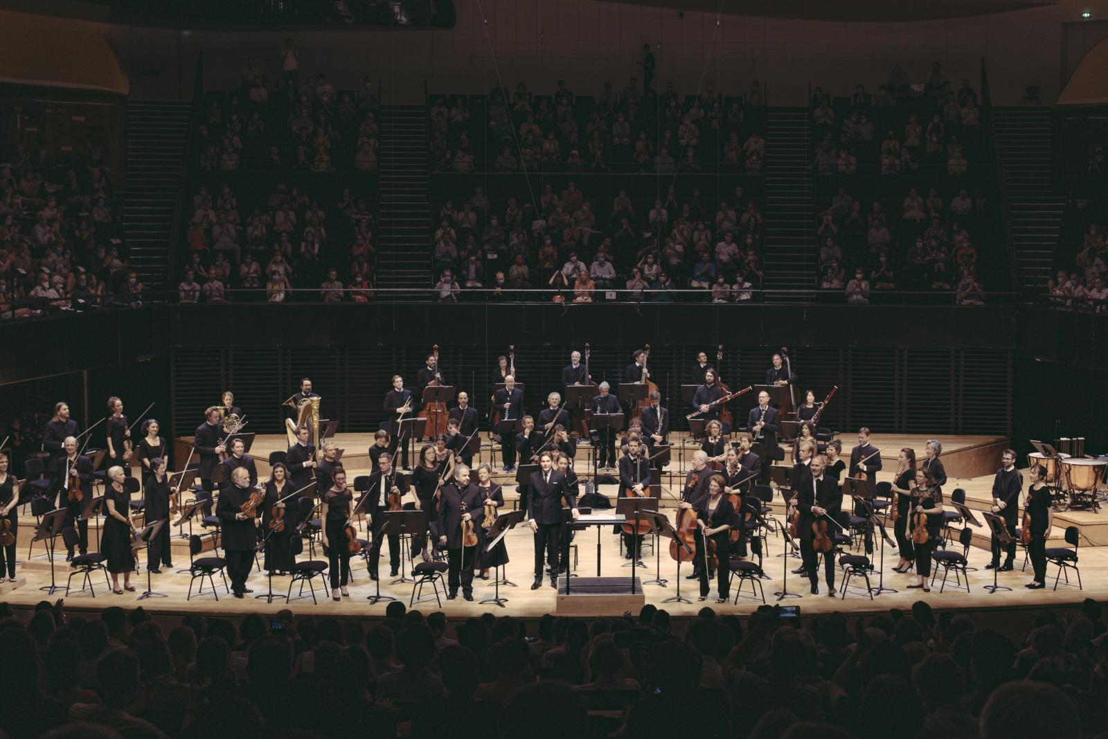 Orchestre de Paris / Klaus Mäkelä, concert donné dans la Grande salle Pierre Boulez le 9 juillet 2020. Crédit : photographie de Claire Gaby. Cité de la Musique - Philharmonie de Paris.